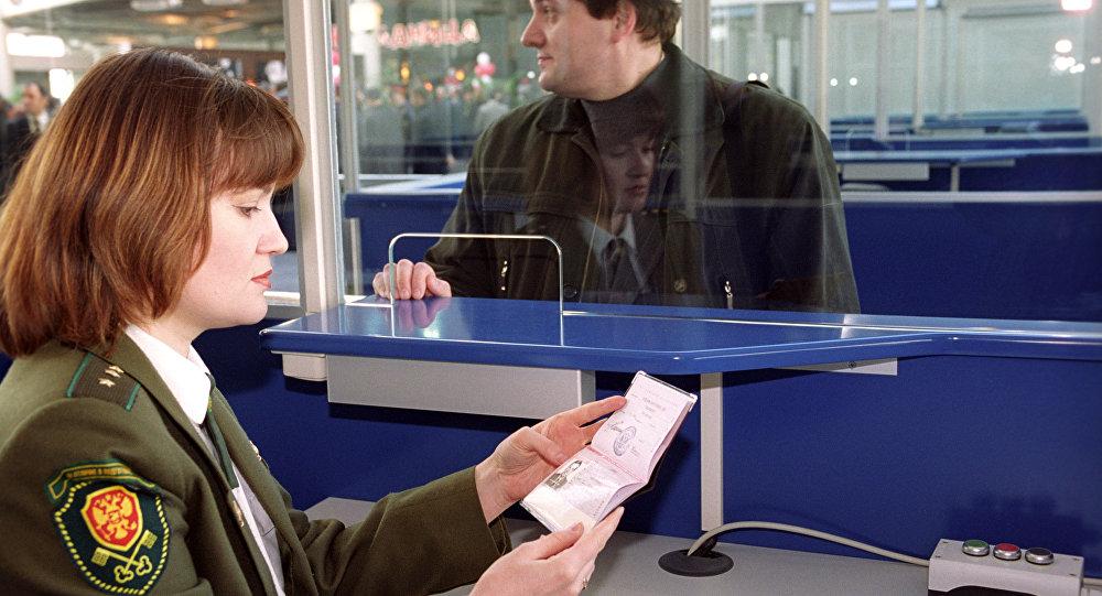 Проверено на себе: как проходит проверка белорусов в аэропортах РФ
