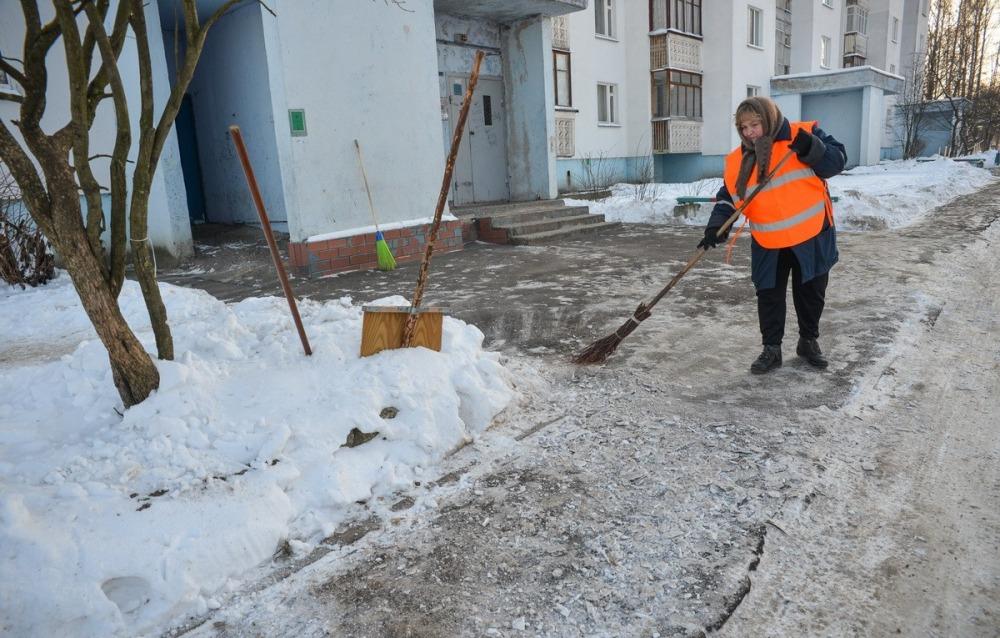 Зимние работы дворника